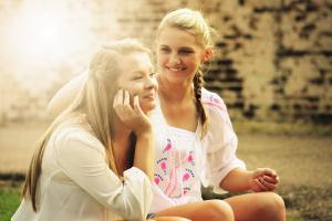 5 brilliant tips to promote healthy eating habits in tweens and teens