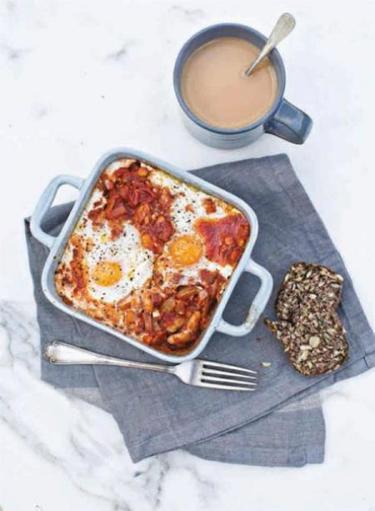 Baked beans with chorizo, egg and feta