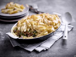 Lamb and penne gratin with courgettes and two cheeses