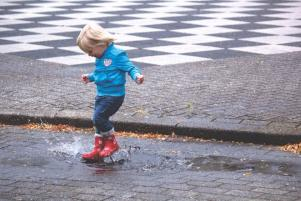 6 cute things to do with your toddler as the weather changes