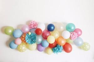 Make your own gorgeous balloon wall art in just THREE easy steps