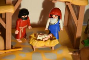 The 9 types of children you see in the Nativity