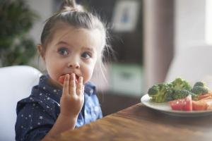 How to cut the stress at mealtimes with kids