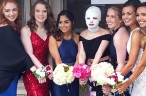 15-year-old injured in explosion has the prom brought to her