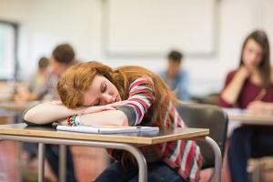 The reason this teacher let his teenage student sleep in class is heart-warming