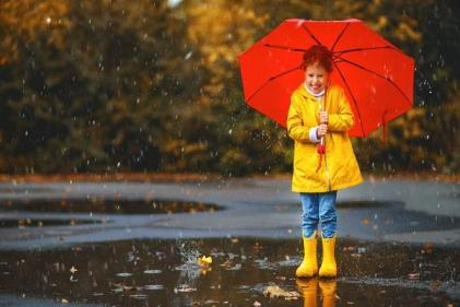 This 8-year-old wrote the BEST letter to Tesco about their girly raincoats