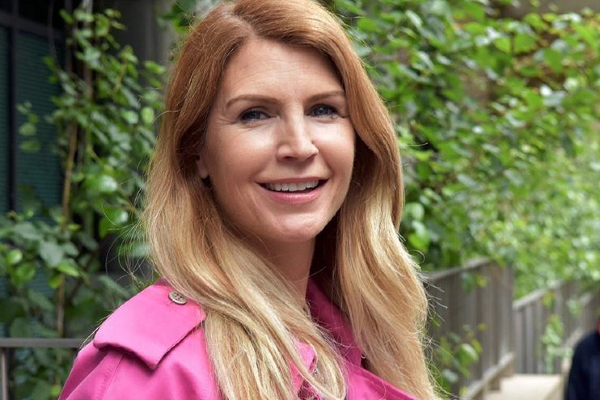 Fans commend Yvonne Connolly for handling her exs affair with grace