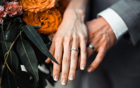 Stunned: Womans flushed wedding ring is miraculously found nine years later