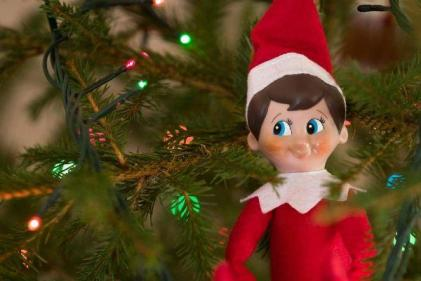 Here are 10 simple but hilarious Elf on the Shelf positions the kids will LOVE