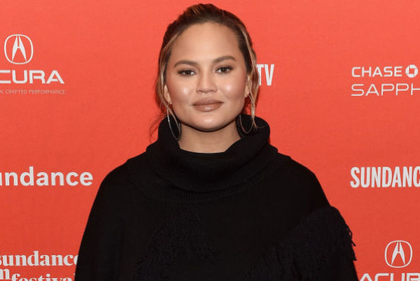 Chrissy Teigen has come under FIRE online after controversial tweets surface