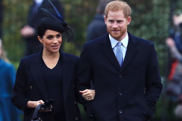 Duchess Meghan hints at her due date during Christmas outing