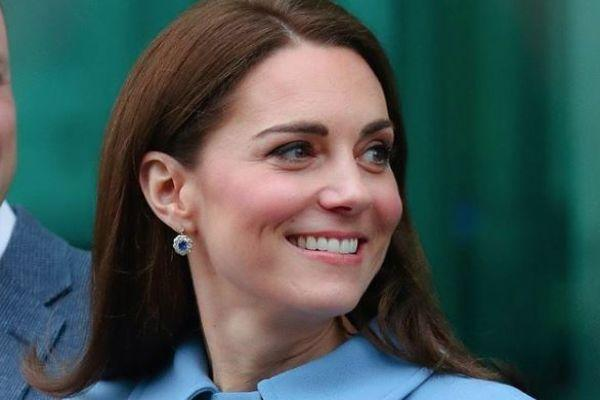The Duchess of Cambridge dons £60 floral dress for Christmas card