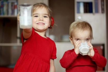 Firstborn kids are smarter than their younger siblings, says study