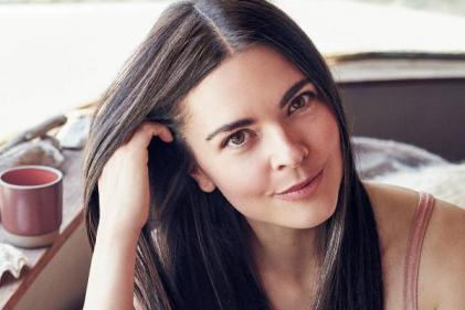 Cookbook author Katie Lee slams people asking if shes pregnant yet