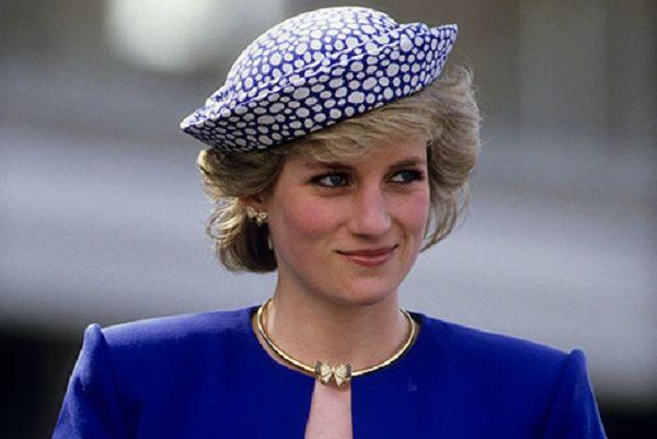 The Crown: Heres your first look at baby Prince William and Diana