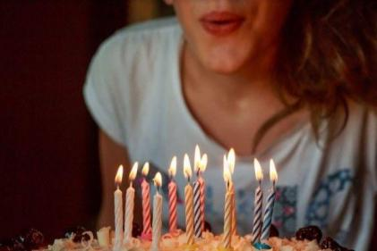 Mum seeks advice after mean classmate asks for invite to daughters birthday