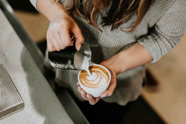 This pregnant woman perfectly shuts down unsolicited advice from a barista