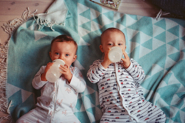Twinning: 30 sets of names that are just PERFECT for twins