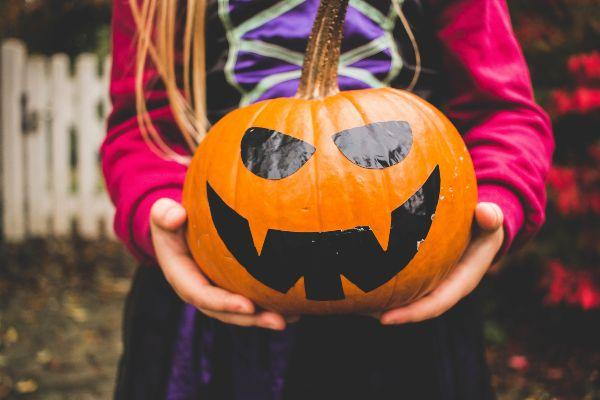 Here are 5 top tips for keeping it GREEN this Halloween