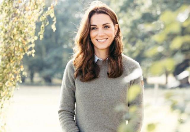 Duchess of Cambridge looks beautiful in tweed Dolce & Gabbana suit
