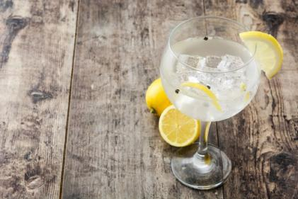 Drinking gin can help ease hayfever, according to science