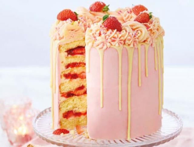 Recipe: This Strawberry Layer Cake is the ultimate summer dessert