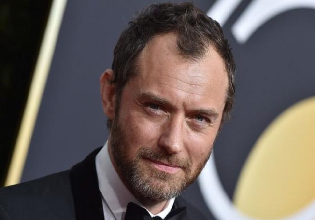Jude Law set to play Captain Hook in Disneys Peter Pan remake