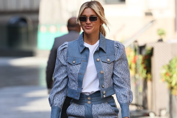 Would you believe Ashley Roberts' denim co-ord is actually from River Island?