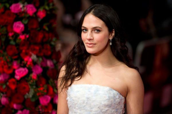 Downton Abbey star, Jessica Brown Findlay looked stunning for her surprise wedding