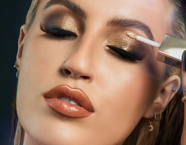 MUA Keilidh Cashell launches spectacular 'Crystal Nights' collection