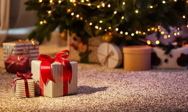 Gift Guide: give the gift of luxury at a cost that wont break the bank.