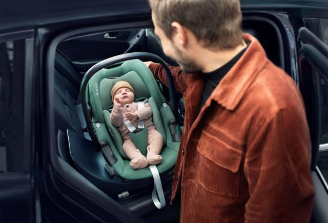 Maxi-Cosi launches next generation rotating car seat system, the 360 Family