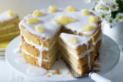 Scrumptious! How to make a 3-tiered Elderflower & Lemon Drizzle Cake