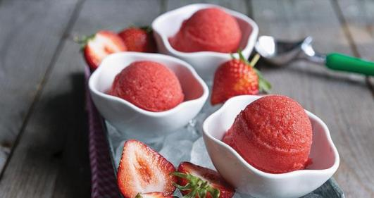 This 4-ingredient strawberry sorbet is simple and delicious