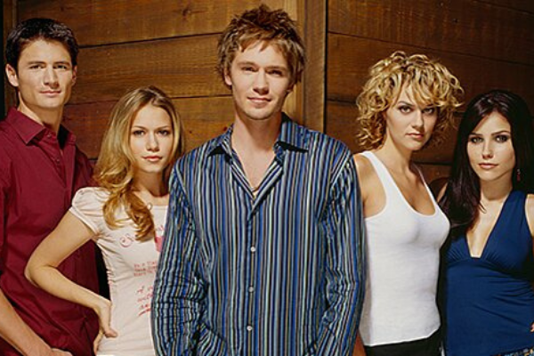 Three of the main cast members from One Tree Hill have started a rewatch podcast