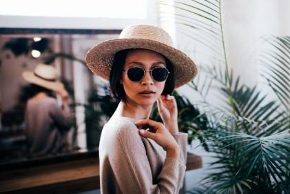 Your simple guide to which sunglasses suit your face shape best