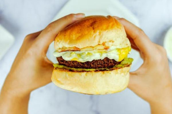 Chickpea, garlic and red onion patties: The tastiest veggie burger recipe